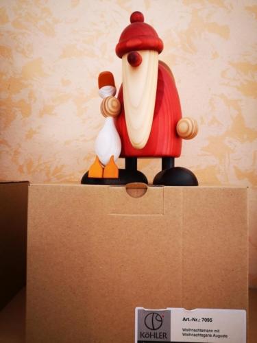 Weihnachtsmann mit Weihnachtsgans Auguste